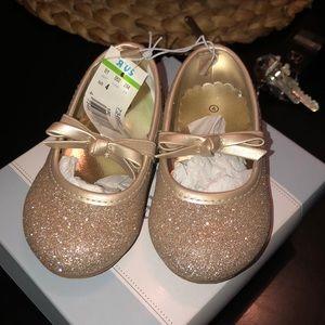 Gold glitter dressy shoes